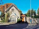 Debourne Lodge